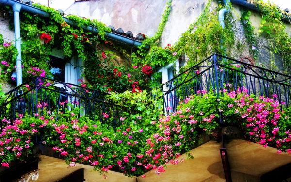 Progettazione e manutenzione di terrazzi e balconi a Milano e provincia.